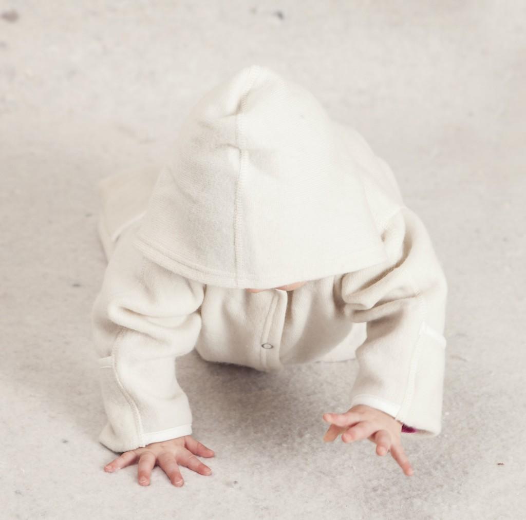 Baby ulddragt med hætte og barn